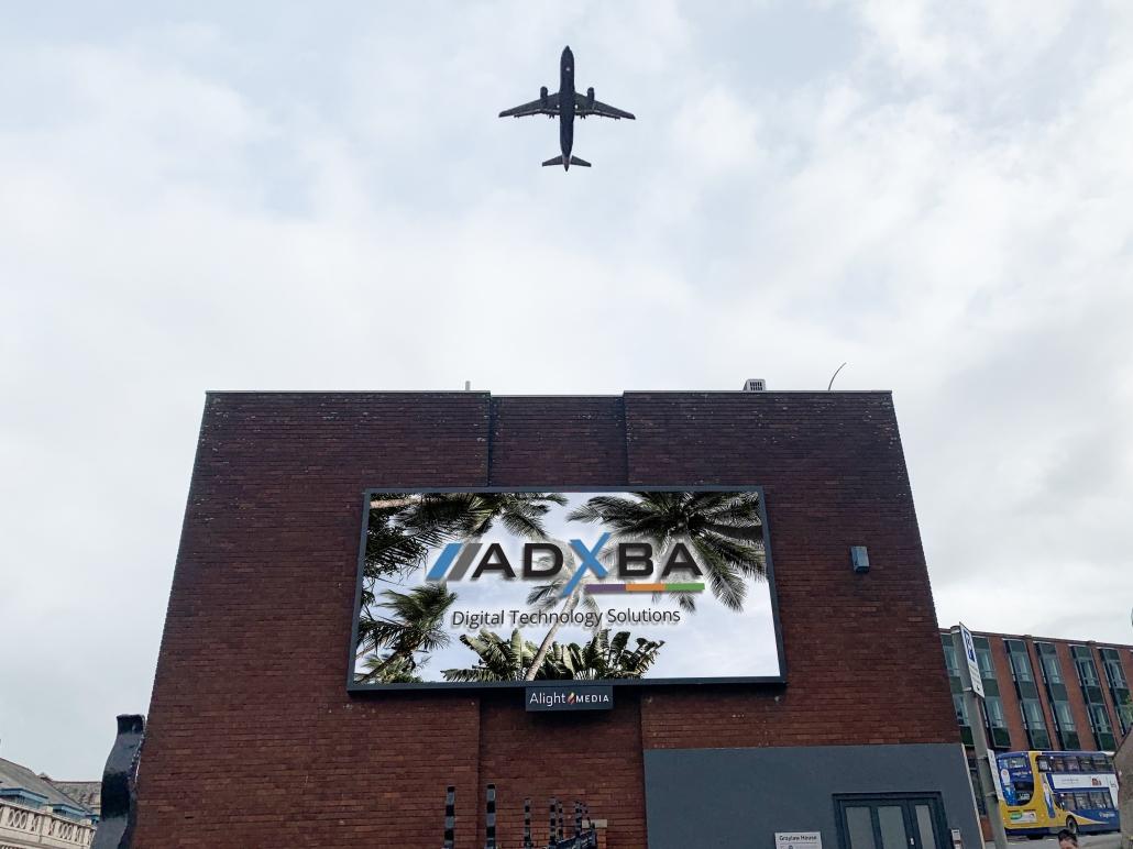 digital out of home vs aviation AV